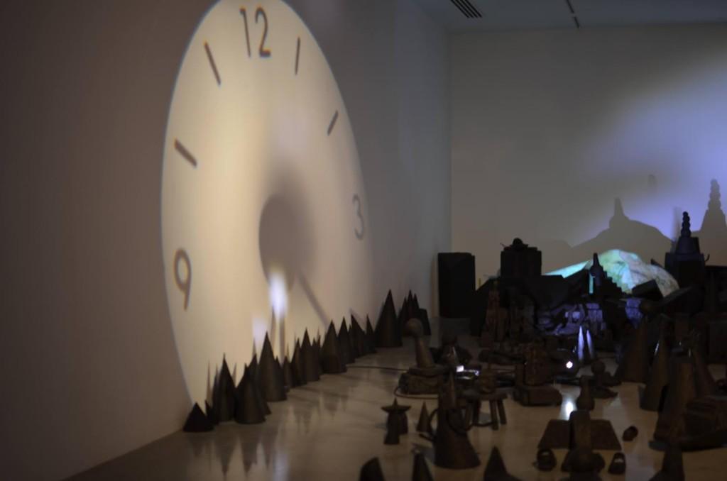 Instalação de Annette Messager