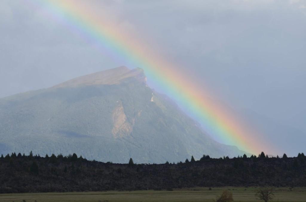 Arco-íris em Fiordlands